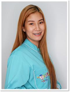 タイ人歯科助手 KRATAI さん